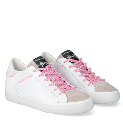 Low Top Distressed Sneakers stringate