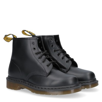 101 Smooth Black 6 Eye Boot